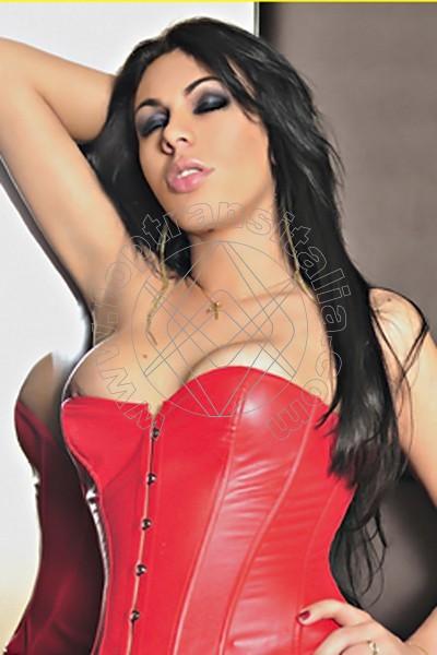 Ana Livia De Caprio MERANO 3884464496